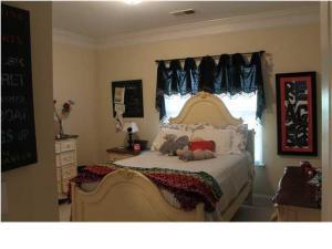 1414 Basildon Rd, Mount Pleasant SC 29466