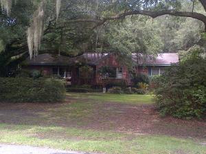 1336 S Edgewater Dr, Charleston, SC