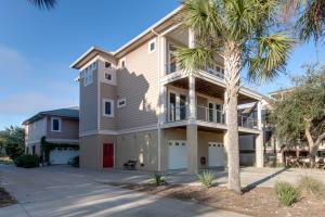 938 W Oceanview Rd, Charleston, SC