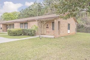 2731 Oak Leaf Dr, North Charleston, SC