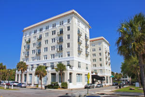 1 King St #APT 404, Charleston, SC
