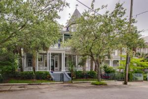 126 Rutledge Ave, Charleston SC 29401