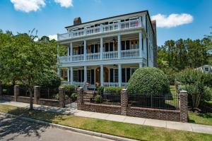 728 Stucco Ln, Mount Pleasant, SC