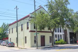 241 E Bay St #102 Charleston, SC 29401