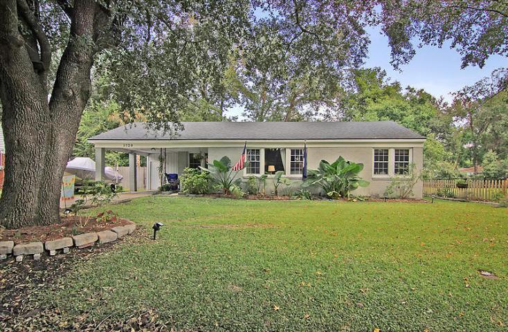 1720 Pinecrest Rd, Charleston, SC 29407