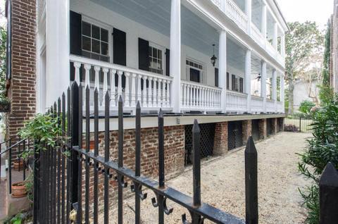 21 Wentworth St, Charleston, SC 29401
