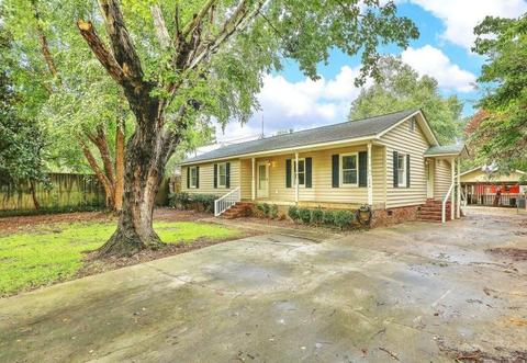 Bonneau, SC real estate & homes with a Pool for Sale - Movoto
