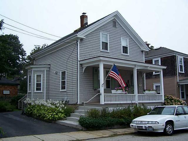 18 Tilley Ave, Newport, RI 02840