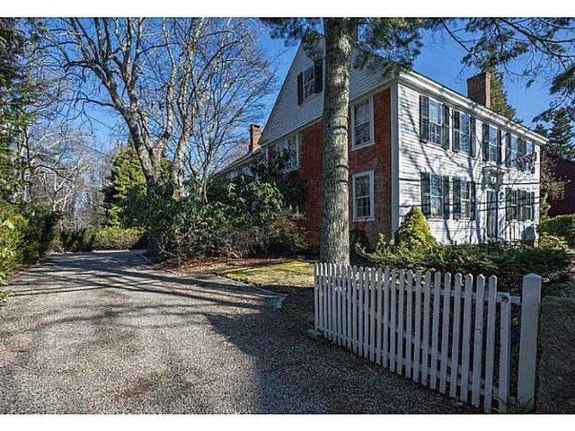 59 Old North Rd, Kingston RI 02881