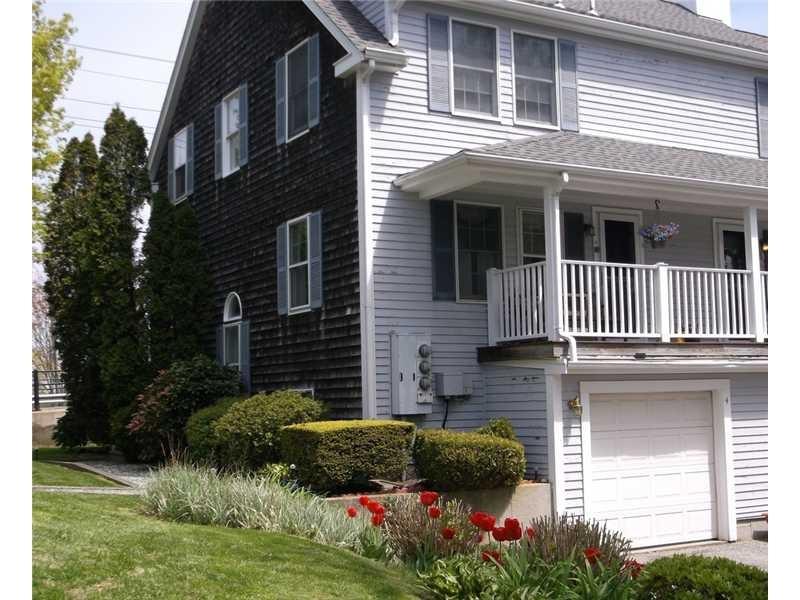 33 Van Zandt Ave #APT 4, Newport, RI