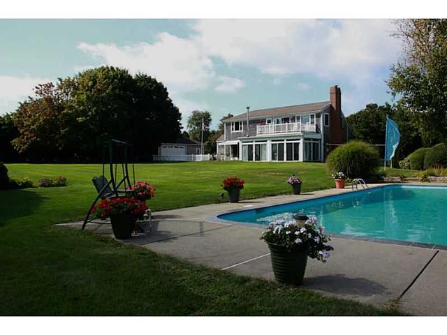 67 Bakerville Rd, South Dartmouth MA 02748
