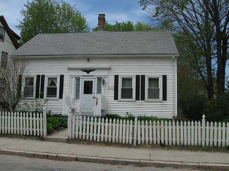 129 Pleasant St, Woonsocket, RI