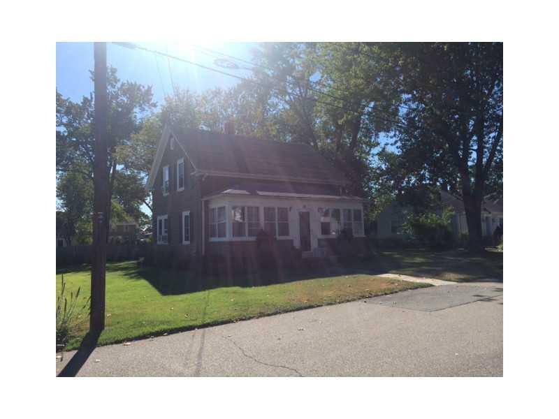 82 Vaughn Ave, Warwick, RI
