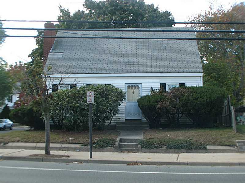 336 Smithfield Ave, Pawtucket, RI
