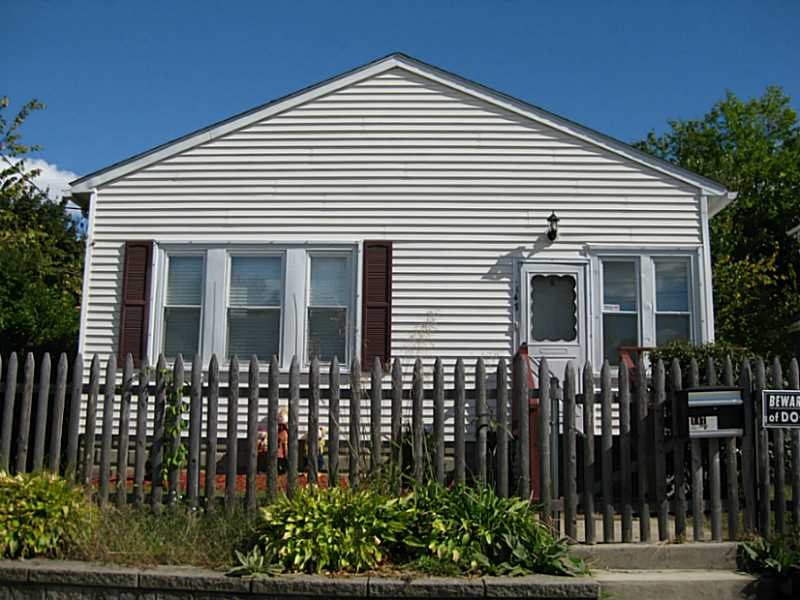 147 Petteys Ave, Providence, RI