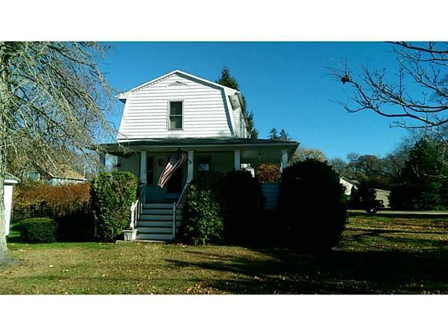 318 Warwick Neck Ave, Warwick RI 02889
