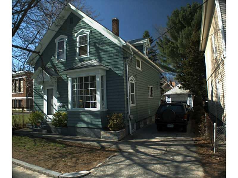 225 Whittier Ave, Providence, RI