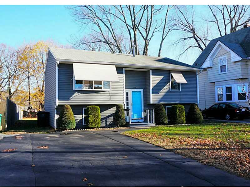 106 Lyman Ave, Warwick, RI