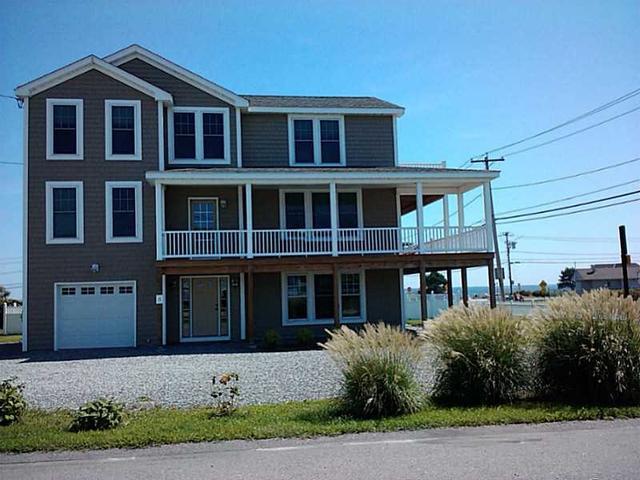 3 Defelice Rd, Narragansett RI 02882