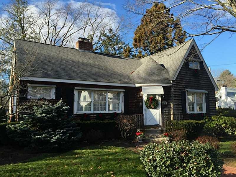 2325 Cranston St, Cranston, RI
