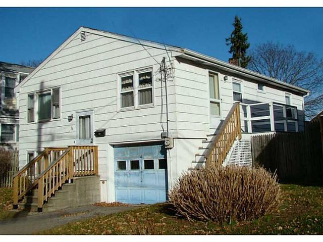 34 Roseneath Ave, Newport RI 02840
