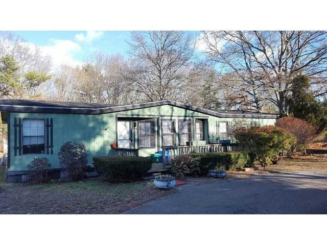 53 Airport Rd, Coventry, RI
