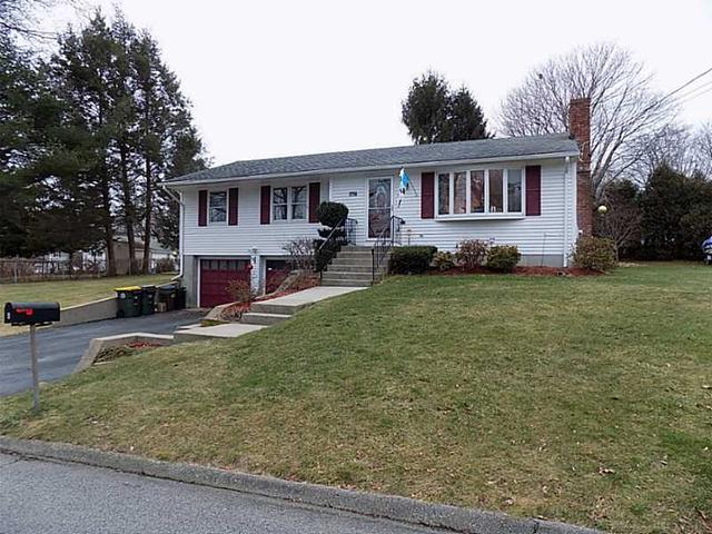 4 Baldwin Dr, Greenville RI 02828