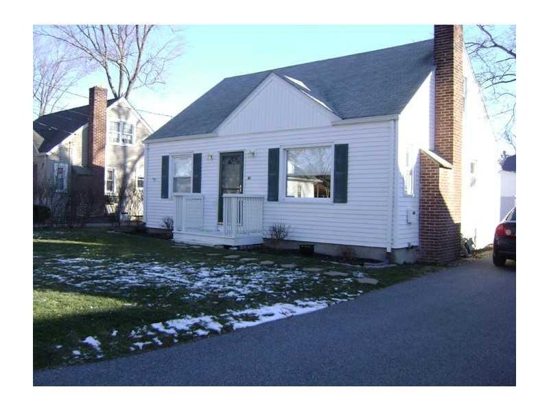138 Wendell Rd, Warwick, RI