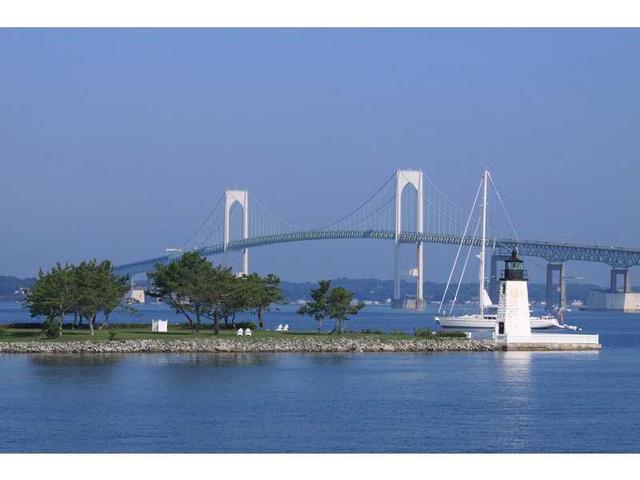 60 America #APT b60, Newport RI 02840