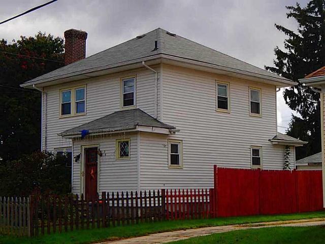36 Stevens Rd, Cranston RI 02910
