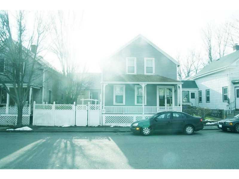 36 Pond Ave, Newport, RI