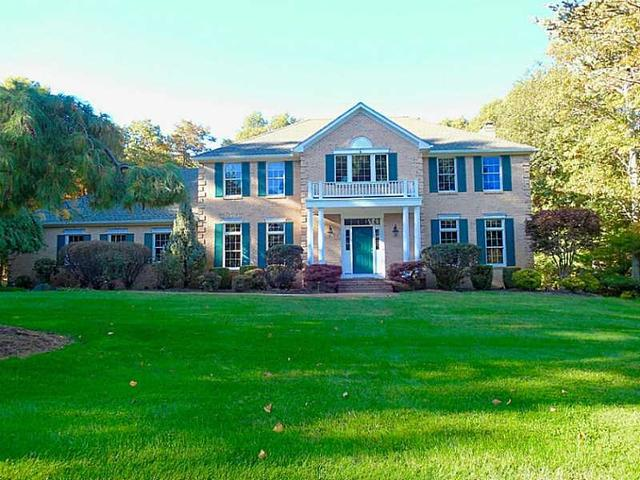 35 Tipping Rock Dr, East Greenwich, RI
