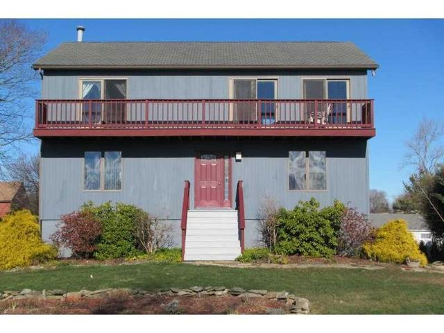 60 Southwest Rd, Narragansett RI 02882