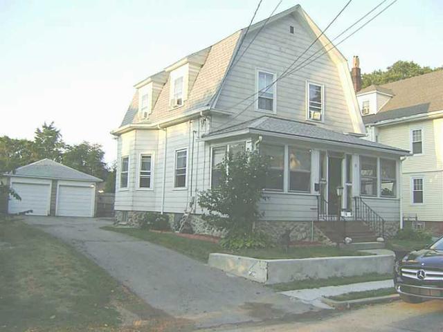 19 Fenner St, Cranston RI 02910