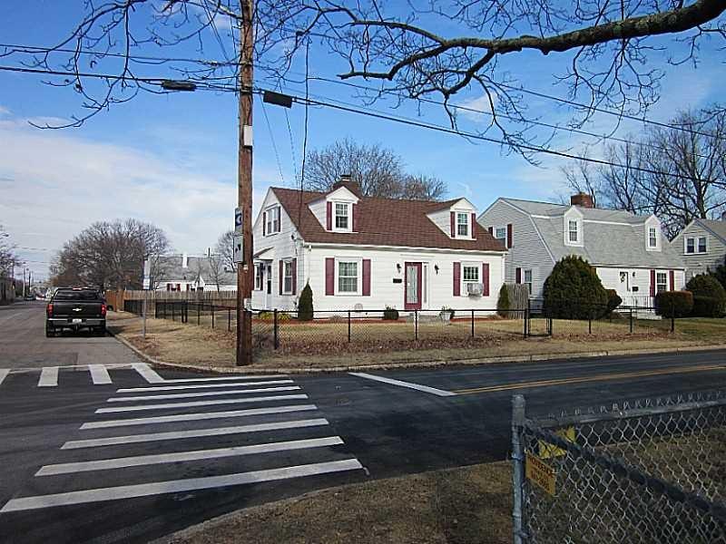 412 Carter Ave, Pawtucket, RI