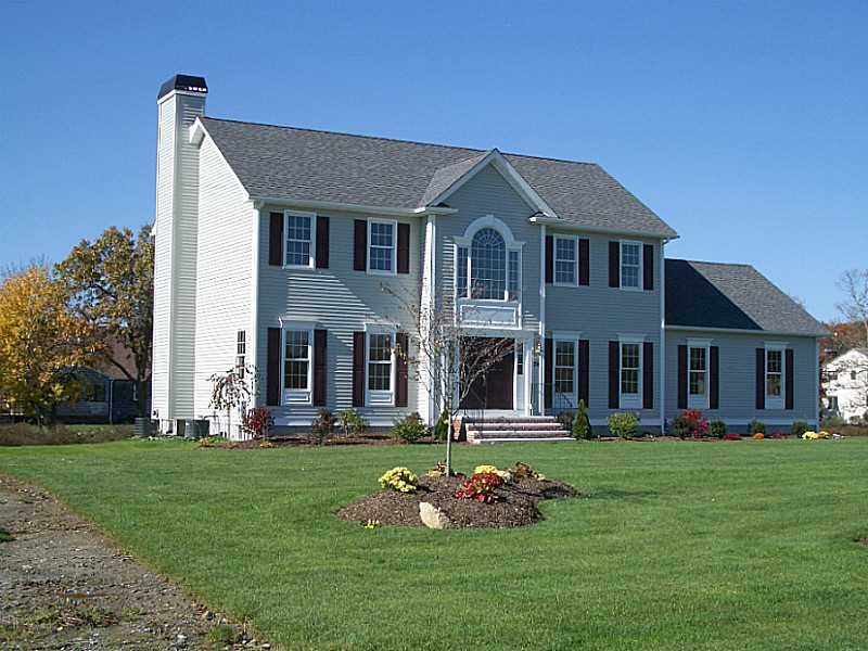 10 Duval St, Rehoboth, MA