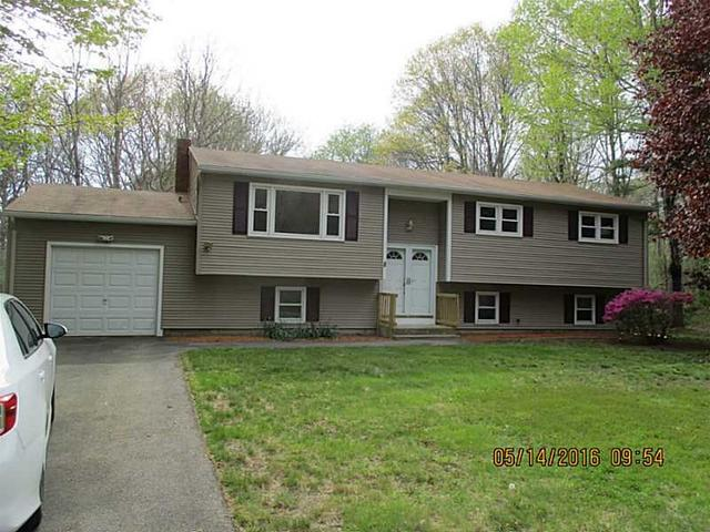 8 Clearview Dr, West Kingston, RI