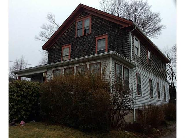 217 W Main Rd, Middletown, RI