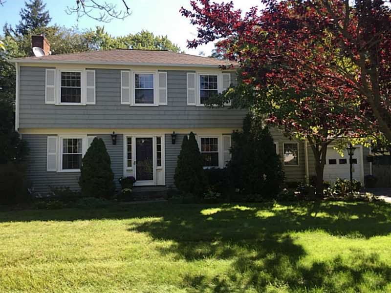 1 Sachem Rd, Barrington, RI