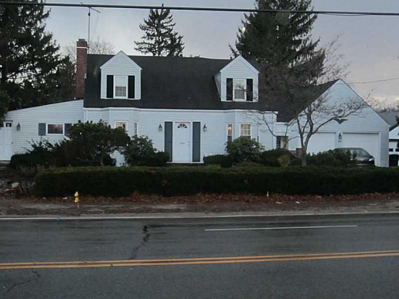 1060 Main Ave, Warwick, RI