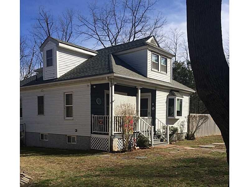 8 Brookdale Ave, Cranston, RI