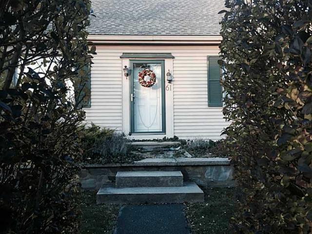 61 Admiral Kalbfus Rd, Newport, RI