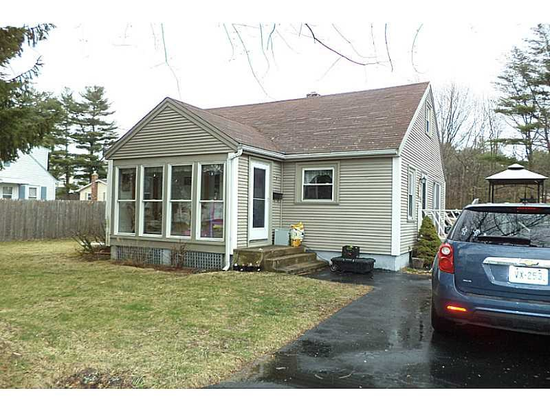 9 Lowell St, Coventry, RI