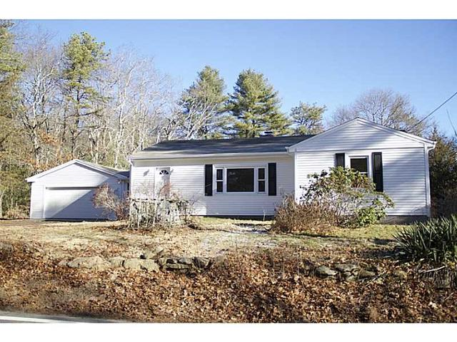 40 Fairview Ave, Hope Valley RI 02832