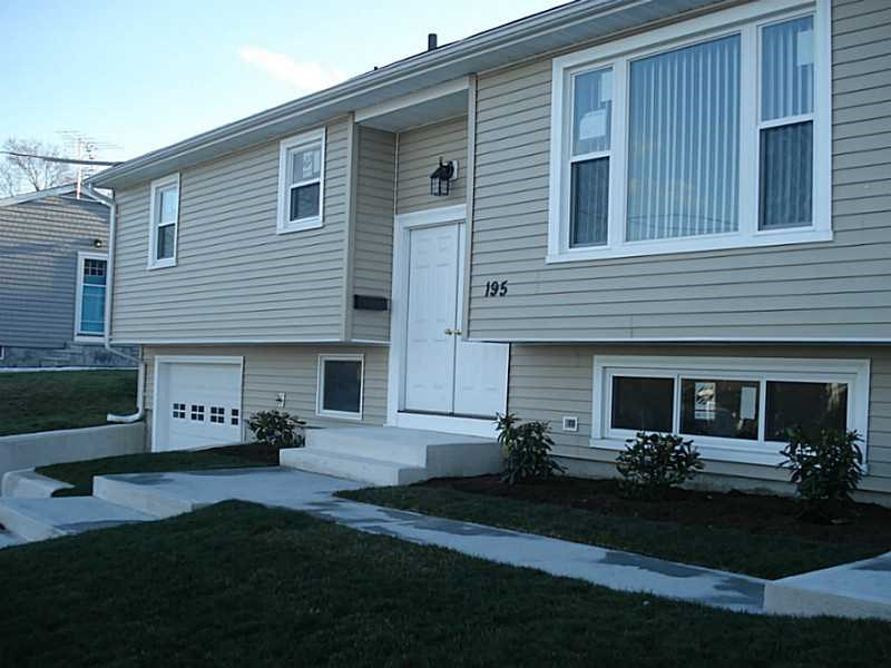 195 Rockwood Ave, Cranston, RI