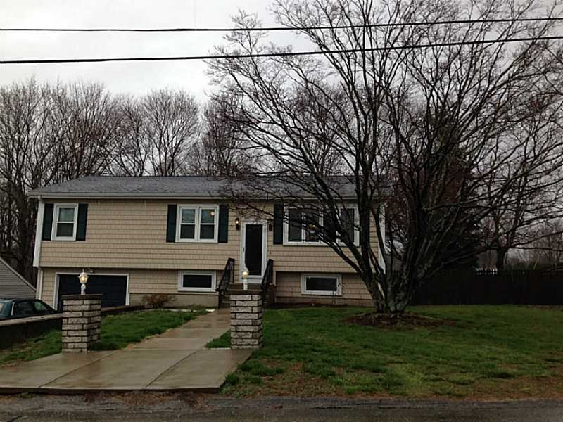 1 Pleasant View Cir, Greenville, RI