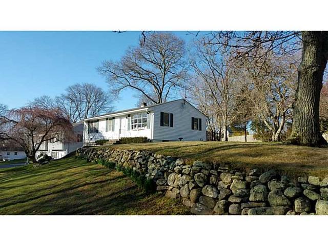 60 Brush Hill Rd, Narragansett RI 02882