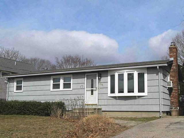 265 Wood Hill Rd, Narragansett RI 02882