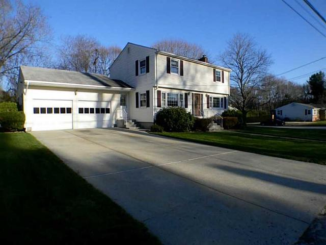 11 Candlewood Dr, Greenville RI 02828