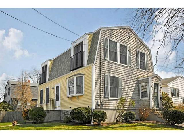 32 Roseneath Ave, Newport RI 02840